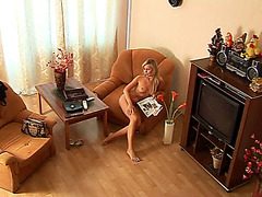 Nude amateur body on the spy home clip
