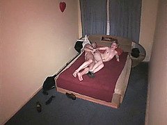 Guy hardly drilling babe in the motel room!